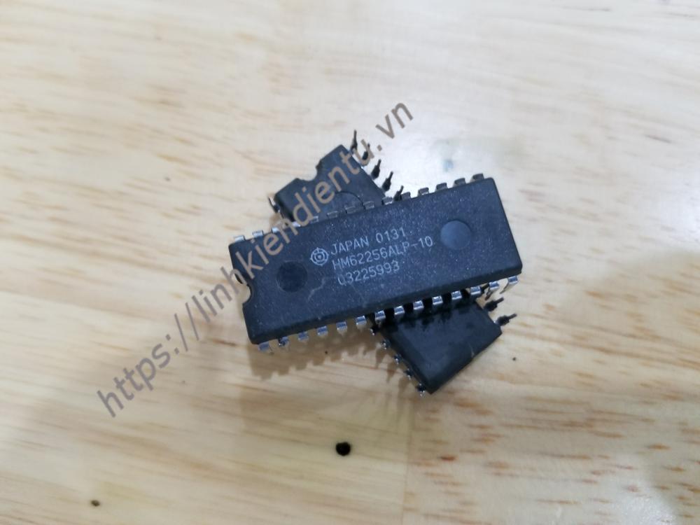 HM62256ALP-10 SRAM 32KB, DIP28 - (Đã dùng rồi)